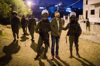 الاحتلال يعتقل مواطنين من بلدة إذنا