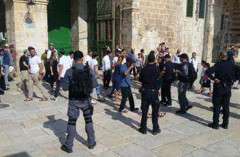 الاحتلال يعتقل 3 مواطنين من داخل المسجد الأقصى المبارك