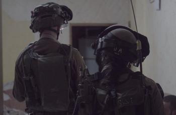 إصابة خطيرة لأحد جنود الاحتلال نتيجة إطلاق نار في قاعدة عسكرية