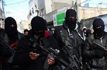 مسلحون من حركة فتح في مخيم قلنديا يطالبون فتح باختيار أسماء وازنة