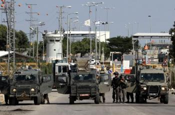 قوات الاحتلال تعتدي على شاب من جنين على حاجز الجلمة