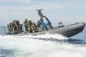 بحرية الاحتلال تطلق نيرانيها باتجاه مراكب الصيادين قبالة بحر غزة