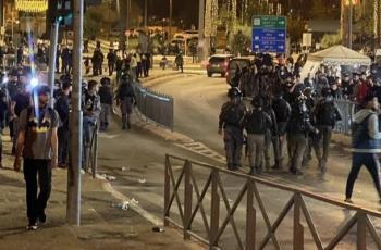 الاحتلال يقمع عشرات الشبان في