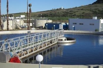 اشتية يضع حجري الأساس لمشروعي محطة معالجة المياه العادمة وخط وادي السمن في الخليل