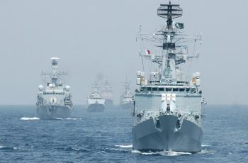 مناورات بحرية مع إيران
