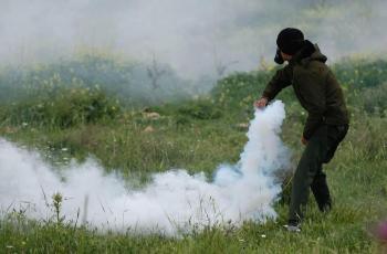 اصابات بالاختناق بمواجهات مع الاحتلال في قرية كفر قدوم