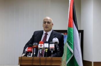 وزير العمل يشارك في اجتماع
