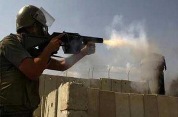 اصابات بالاختناق خلال مواجهات مع الاحتلال في مخيم العروب