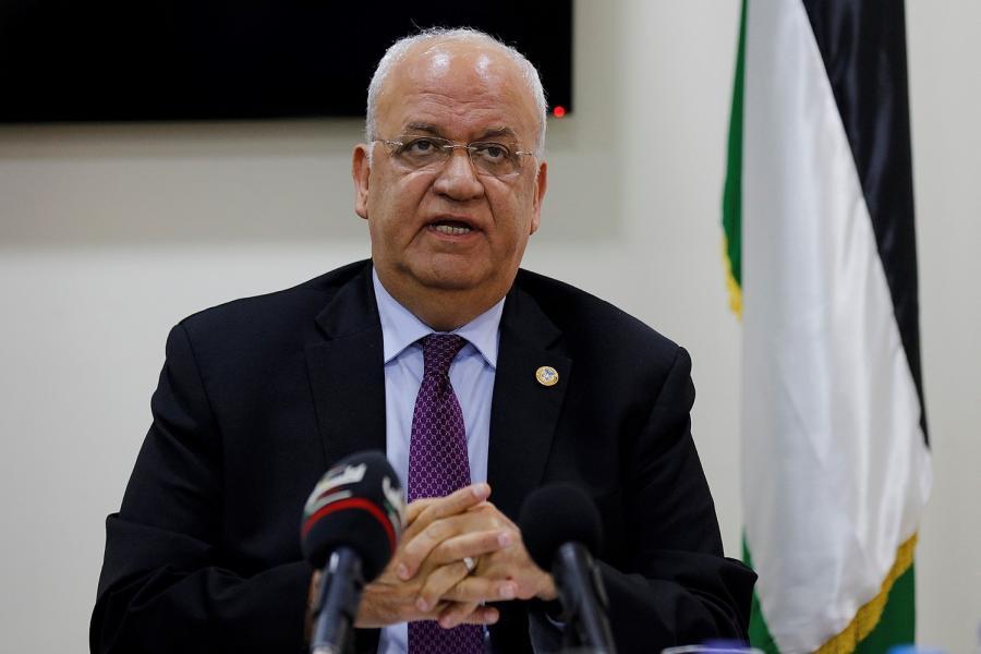 سفارة فلسطين بمصر تستقبل المعزين برحيل القائد الوطني صائب عريقات