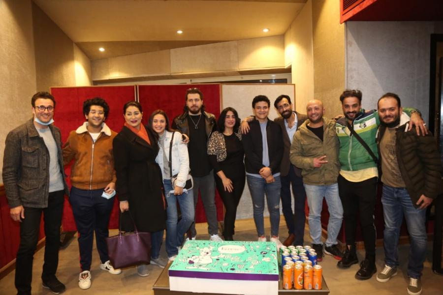 بالصور: وفاء عامر وقماح والتيتي وجيزو يحتفلون بنجاح مصري