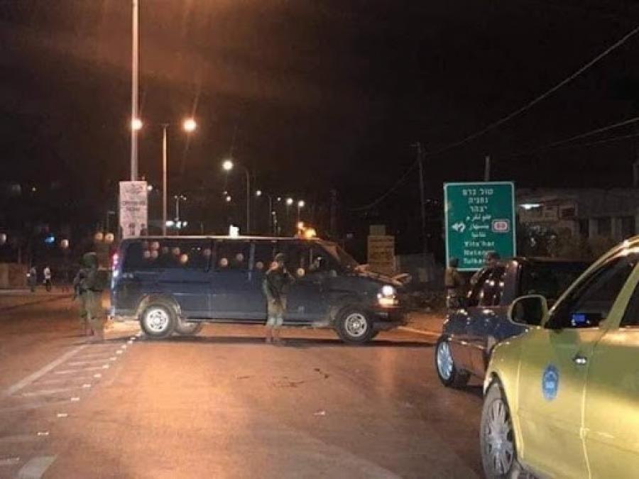 مستوطنون يرشقون مركبات المواطنين بالحجارة على الطريق الواصل بين نابلس رام الله