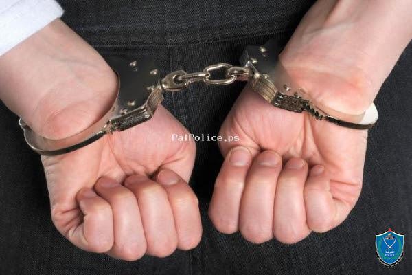 شرطة بيت لحم تقبض على شخص صادر بحقه 15 امر حبس بـقيمة 45 الف شيقل