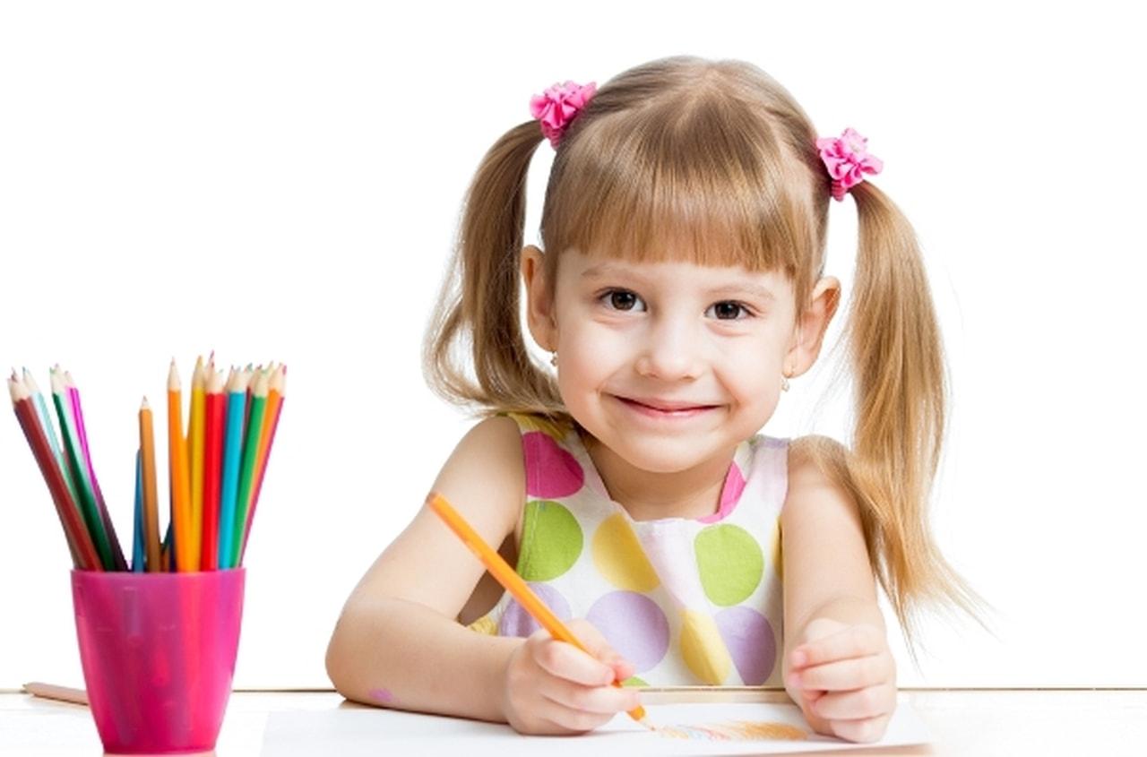 الرسم.. يكشف مشكلات طفلك النفسية