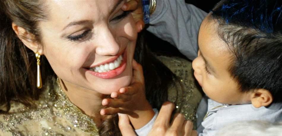 ما لا تعرفونه عن الوريث الوحيد لأنجلينا جولي.. فضلته على كل أبنائها!