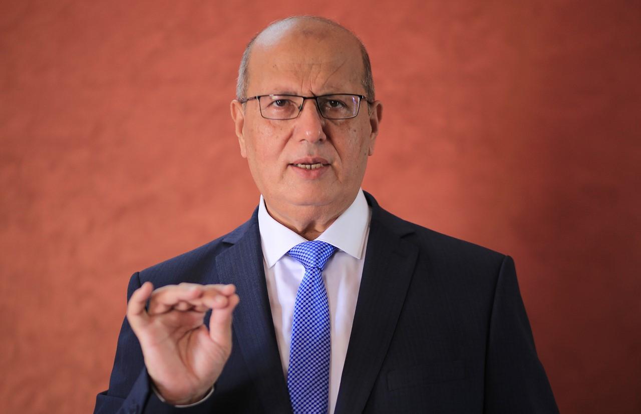 الخضري يدعو القمة الاقتصادية لرصد موازانات لاعمار ألفي منزل دمروا في عدوان 2014 وإنشاء صندوق يعالج أزمات غزة والقدس والضفة