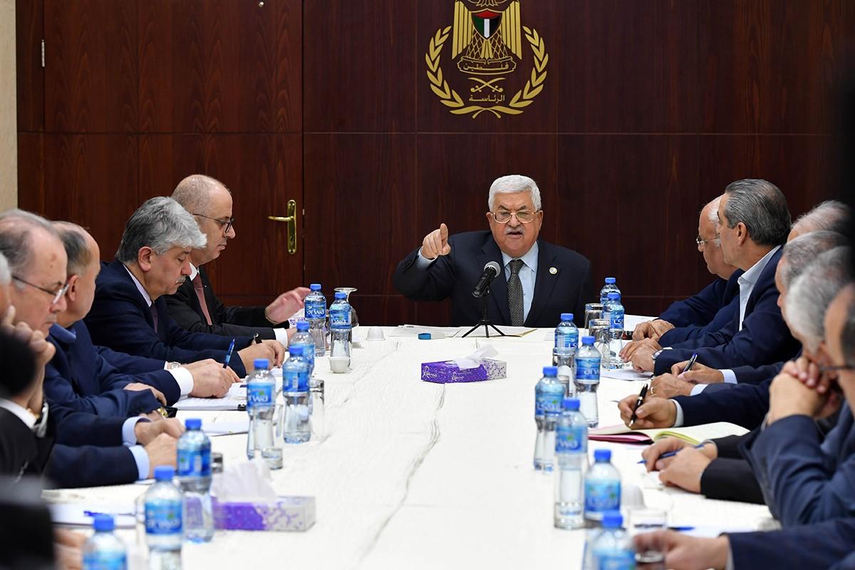 العالول يكشف الخطوات التي اتخذتها القيادة للرد على حجز اسرائيل أموال المقاصة