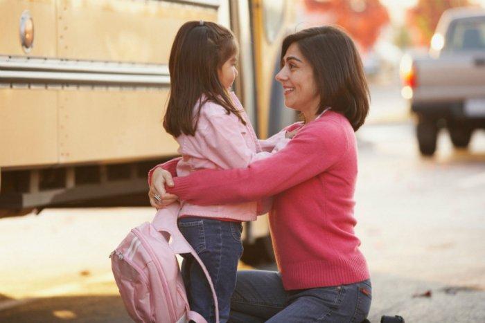 كيف تهيئين طفلك للذهاب للروضة أو المدرسة