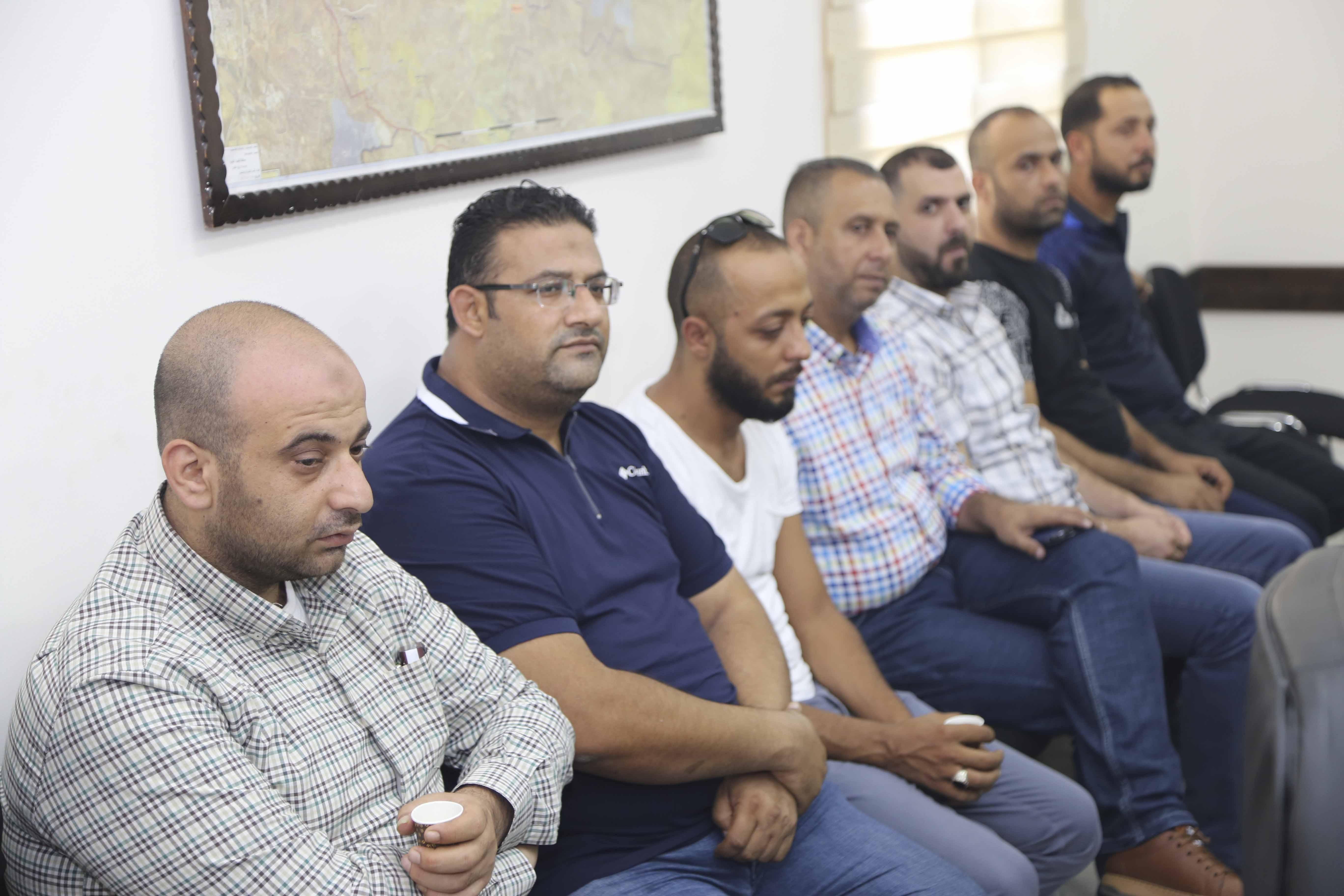 قلقيلية : المحافظ يلتقي وفدا من إقليم حركة فتح.