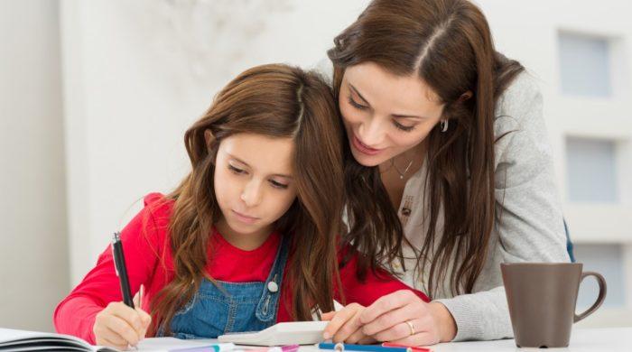 كيف تساعدين أبناءك على تجاوز الخوف والقلق من الامتحانات؟