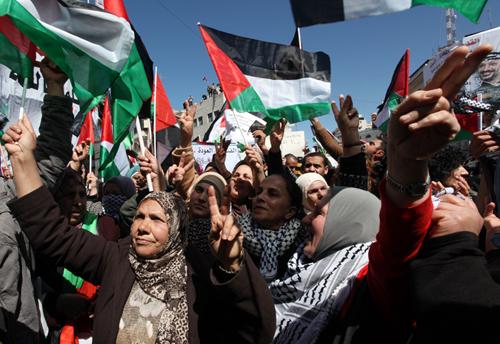 «الديمقراطية» تدعو فتح وحماس الى الإستجابة لنداء إنهاء الإنقسام وإستعادة الوحدة الداخلية