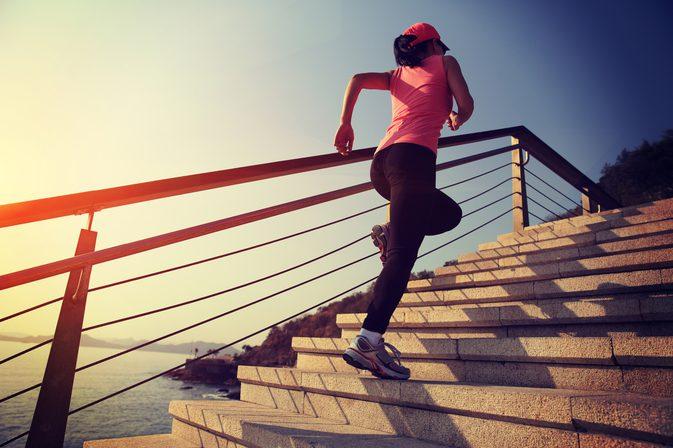 تعرف على فوائد صعود الدرج