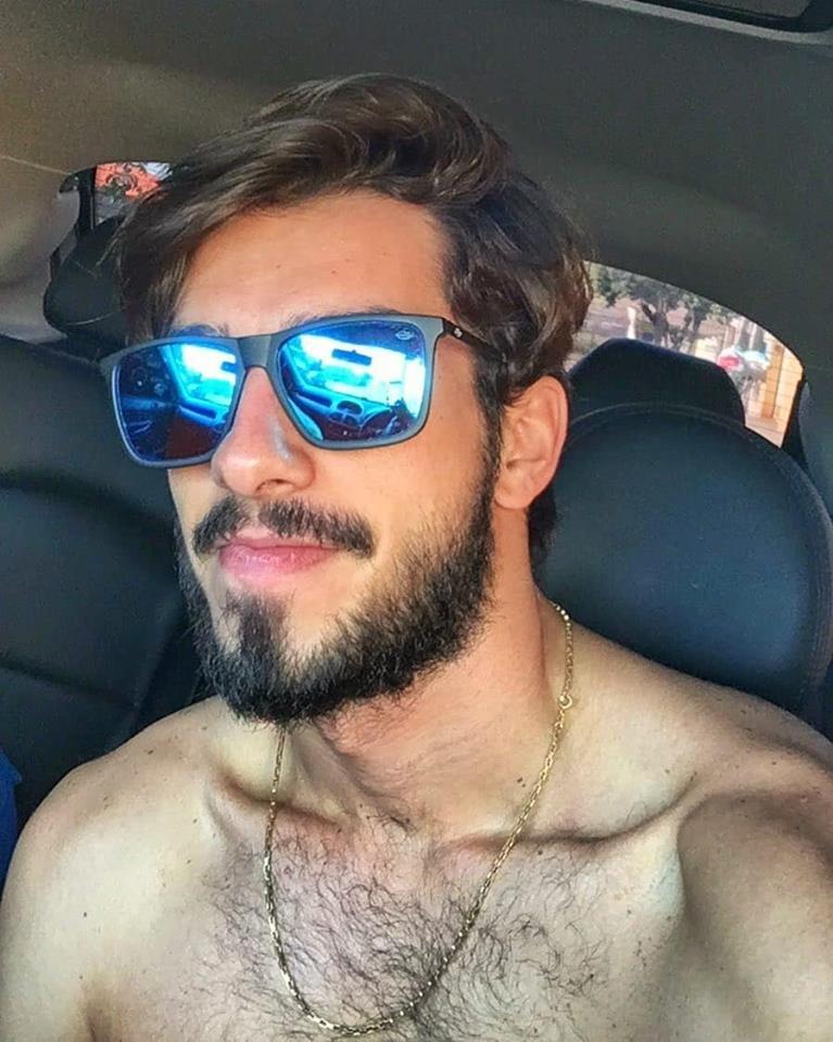 صور: شاب برازيلي يسخر من شكله في عام 2013 قائلاً :