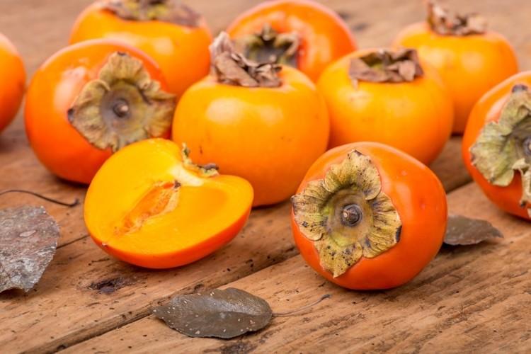 """اكتشاف مادة في فاكهة الـ """"كاكا"""" تطيل عمر الإنسان وتحارب الشيخوخة"""