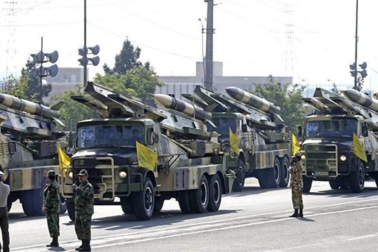 الحرس الثوري: إسرائيل محاصرة وتحت مرمى الصواريخ