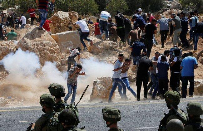 إصابات واعتقالات بقمع مسيرة جبل الريسان غرب رام الله