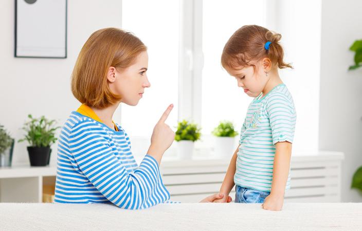 لهذا السبب تجنّبي تهديد طفلك