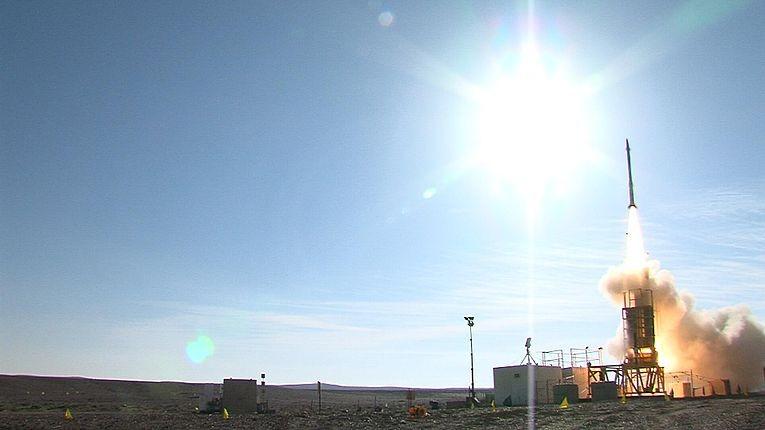 Nov._20,_2012_-_David's_Sling_Weapons_System_Stunner_Missile_intercepts_target_during_inaugural_flight_test_(1).jpg